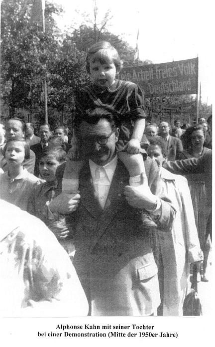 Al_Kahn_bei_Demo_1950er.jpg